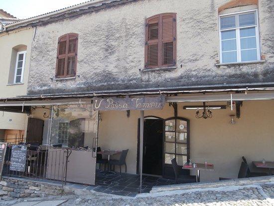 U Passa tempu: La devanture avec terrasse