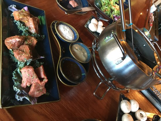 Little Dipper: Beef fondue with sauces