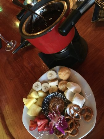 Little Dipper: Chocolate fondue with fruit and stuff