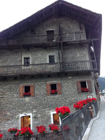 Saint-Oyen, Italia: Facciata esterna