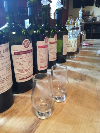 Gardiner, NY: Tasting keepsake glasses and some of the spirits you can try