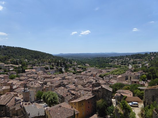 Cotignac, Prancis: View of the village from above