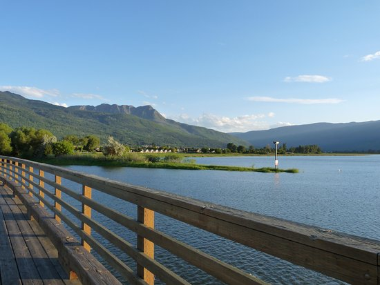 Salmon Arm, Canadá: Mount Ida in the background