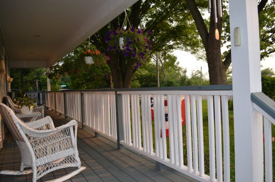 Richmond, IL: Relax on our comfy front porch and watch the sunset.