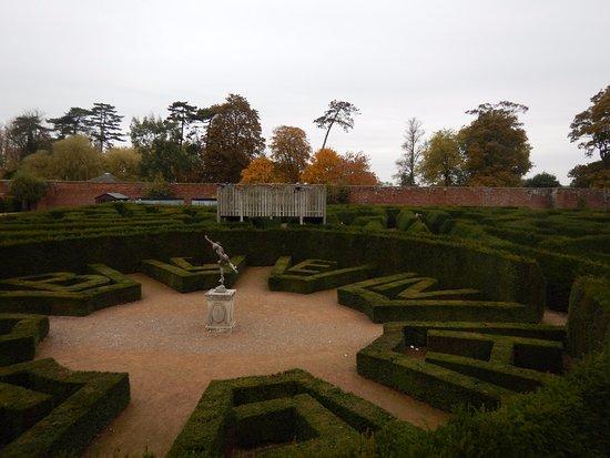 Blenheim Palace: maze
