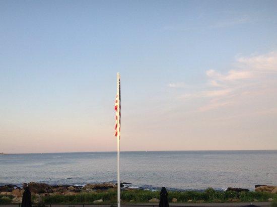 Atlantis Oceanfront Inn: VIEW - STRAIGHT AHEAD