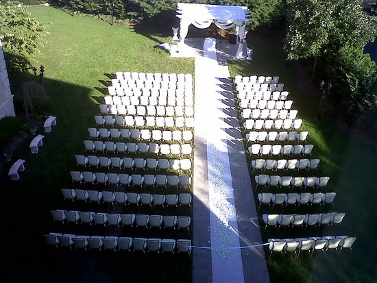 The Wilshire Grand Hotel: Outside Seasonal Ceremonies