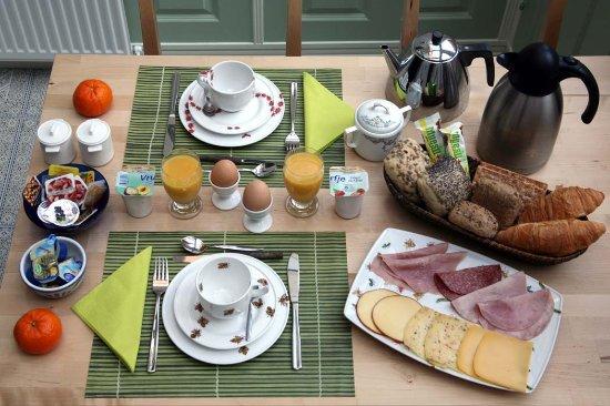 Parkzijde Bed & Breakfast: Garden room breakfast