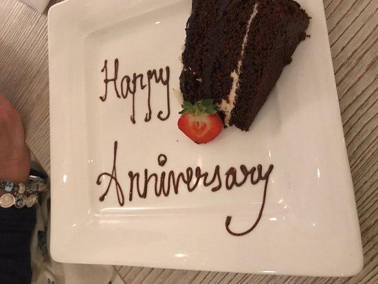 Слау, UK: Complimentary Cake