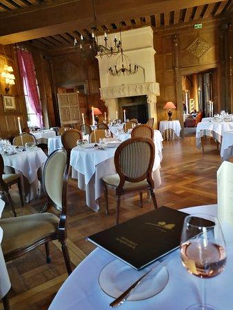 Augerville-la-Riviere, Francja: the restaurant