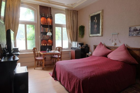 Parkzijde Bed & Breakfast: Park room