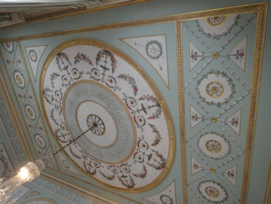 Inveraray, UK: Dining room ceiling