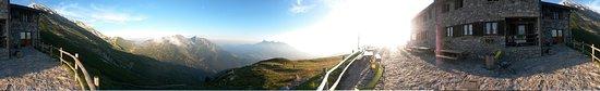Oltre il Colle, Italia: Panoramica da Capanna 2000