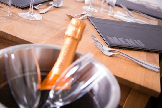 Lockerbie, UK: A nice bottle of Prosecco with your meal?