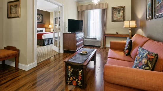 Georgetown, TX: 2 Room Royal Suite