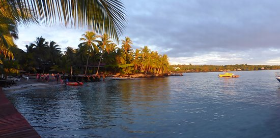 Asau, Samoa: Early morning swimming time