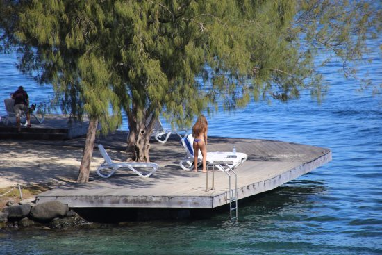 Manava Suite Resort Tahiti: Pier you can relax on