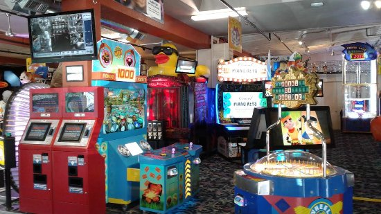 Long Beach, WA: Its Kite Festival Week - add Funland to your plans for games and Laser tag!  #FunlandLB