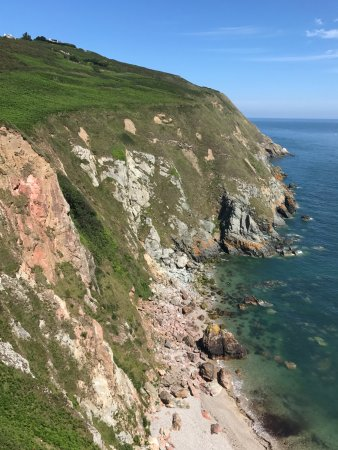 Cliffs along the hiking path in Howth