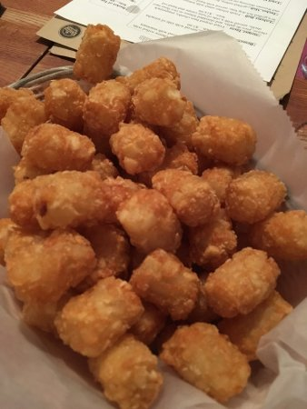 East Dennis, Μασαχουσέτη: Basic tater tot appetizer - nothing fancy, just plain ol' tots!