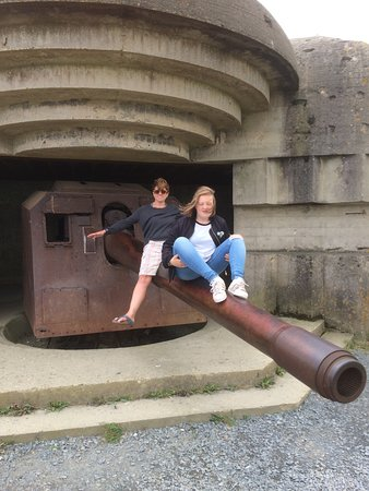 Longues-sur-Mer, France: Wife and daughter celebrating peace!