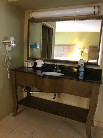 Hampton Inn & Suites Atlantic Beach: photo4.jpg