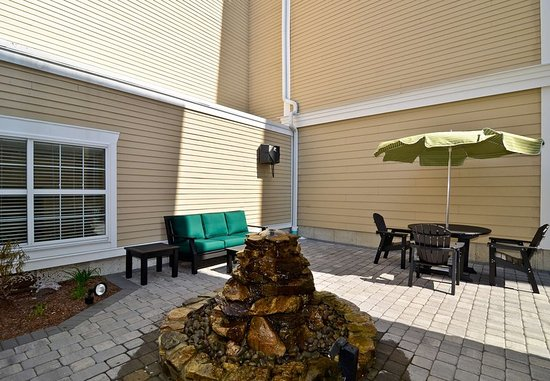 New Bedford, MA: Outdoor Patio