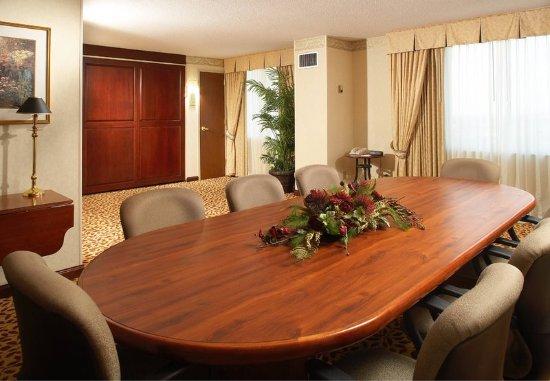 West Des Moines, IA: Hospitality Suite