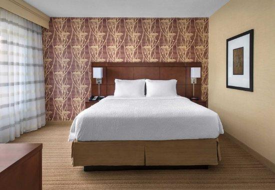 Norwood, MA: King Suite - Sleeping Area