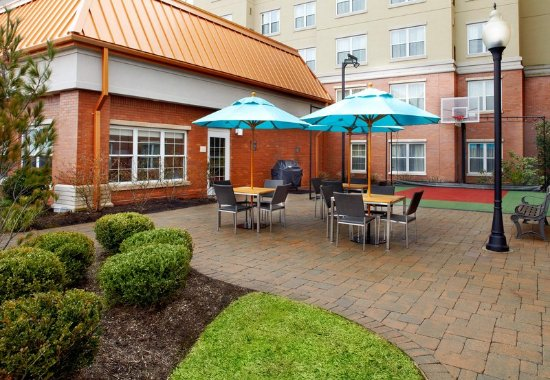 East Rutherford, Nueva Jersey: Outdoor Patio