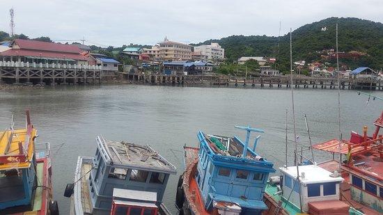 เกาะสีชัง, ไทย: 20170820_125434_large.jpg