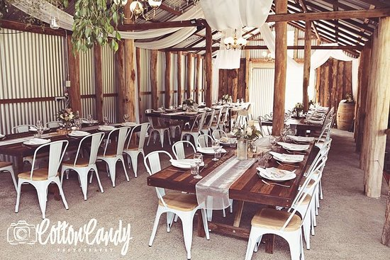 Wollombi, Australia: Wedding in the Cow Shed
