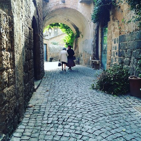 Montefollonico, Italy: Quintessential Italians
