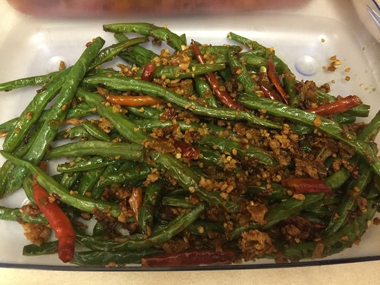 Abbotsford, Kanada: Fried green bean in Szechuan style - Spicy and yummy.