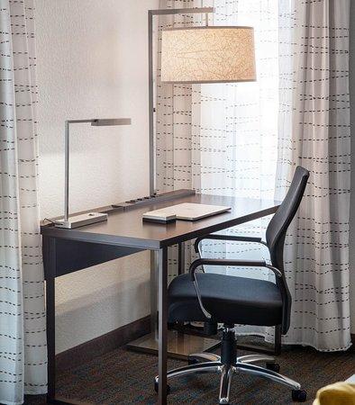 Аркадия, Калифорния: Studio Work Desk