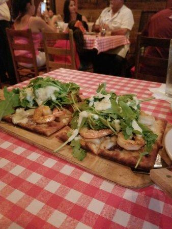 Gabriella's Italian Grill & Pizzeria : Shirmp Alfredo Flat Bread