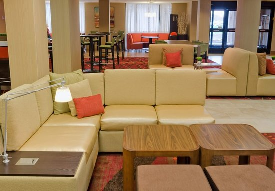 Layton, UT: Lobby Seating Area
