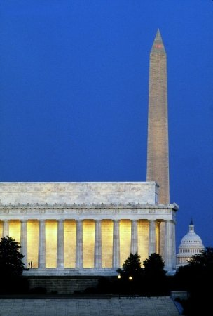 SpringHill Suites Dulles Airport : Lincoln Memorial And Washington Monument