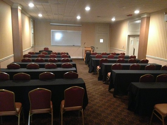 Adria Hotel And Conference Center: Salon D- Classroom style