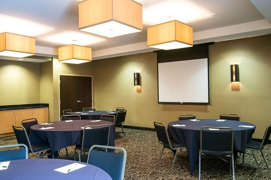 Cambria hotel & suites Raleigh-Durham Airport: Meeting Room