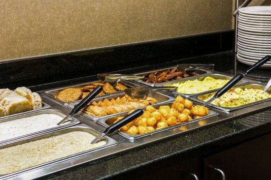 Cambria hotel & suites Raleigh-Durham Airport: Breakfast