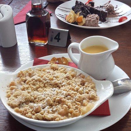 Great Dunmow, UK: My HOT Apple Crumble