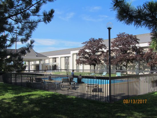 Saginaw, MI: Outdoor pool.