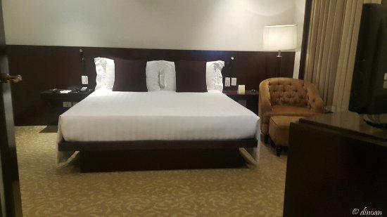 Dusit Thani Manila: Grand King Room