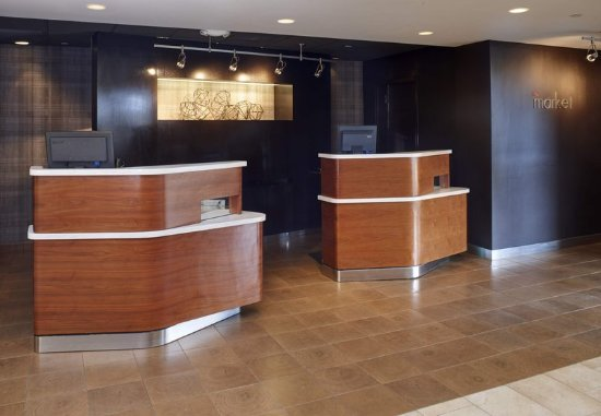 Brookfield, WI: Welcome Pedestals