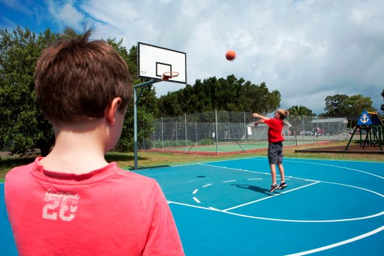 Swansea, Australia: Basketball courts