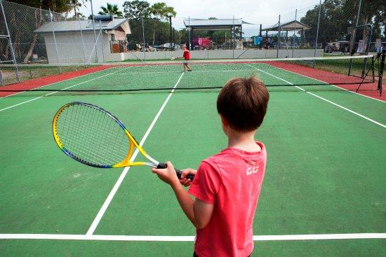 Swansea, Australia: Tennis courts