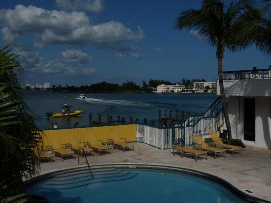 North Bay Village, FL: Pool Area