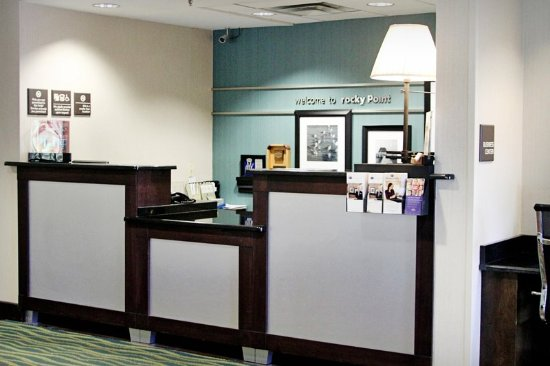 Hampton Inn Tampa / Rocky Point - Airport: Front Desk Hampton Inn Tampa Rocky Point