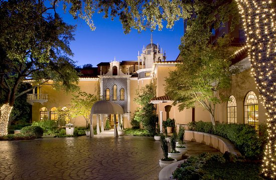 Rosewood Mansion on Turtle Creek: Exterior at Night